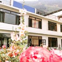 Hotellbilder: 1 BR Guest house in Aleo, Manali (F7D4), by GuestHouser, Manāli