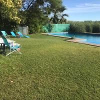 Hotel Pictures: Cabanas en Lago Rapel, Las Cabras