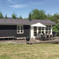 Hotelbilder: Two-Bedroom Holiday Home in Ebeltoft, Ebeltoft