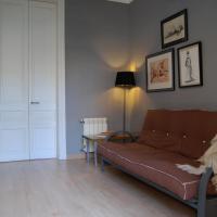 Three-Bedroom Apartment - Gran Via 2