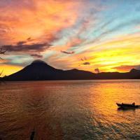 Foto Hotel: Atitlan Sunset Lodge, Santa Cruz La Laguna