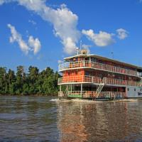 Hotel Pictures: Manatee Amazon Explorer, Puerto Francisco de Orellana
