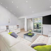 Photos de l'hôtel: Three-Bedroom Apartment in Liznjan, Ližnjan