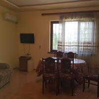 Hotellikuvia: Svoi dom, Ejmiatsin