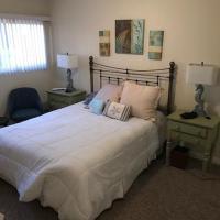 ホテル写真: 700 East Oceanfront Unit A, ニューポート・ビーチ