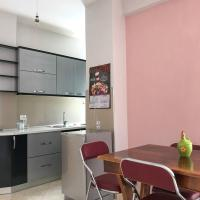 Zdjęcia hotelu: Xati's Apartment, Cozy/Cheap in Excellent Location, Pogradec