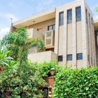 Zdjęcia hotelu: Room in a BnB in Gurgaon, by GuestHouser 8233, Gurgaon