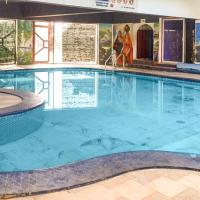 Hotel Pictures: Cottage with a pool in Ansari Nagar, Chennai, by GuestHouser 39765, Chennai