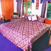 Hotellbilder: Apartment room in Dharamkot, Dharamshala, by GuestHouser 17700, Dharamshala