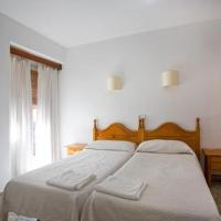 Hotel Pictures: Hostal Paco, Marbella