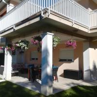 Hotel Pictures: Riverside Guesthouse, Počitelj
