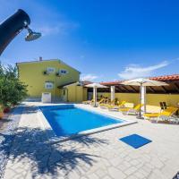 Hotel Pictures: Apartment Privlaka 5850b, Privlaka