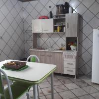 Hotel Pictures: Quarto inteiro próximo ao centro, Chapecó