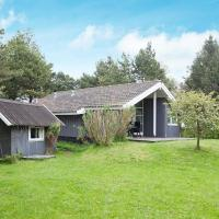 Hotel Pictures: Three-Bedroom Holiday home in Askeby 1, Askeby