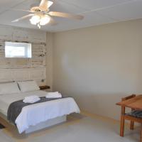 ホテル写真: Namib River Camp #3, スワコプムント