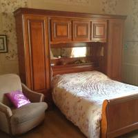 Hotel Pictures: Chambres d'Hôtes du Chalet de Caharet, Pipriac