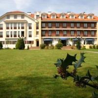 Hotel Pictures: Apartamentos Club Condal, Comillas