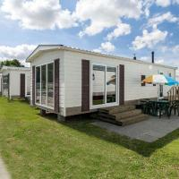Hotel Pictures: Holiday Home Marina Beach.43, Hoek
