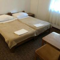 Hotellikuvia: Triple Room Gradac 16006d, Gradac