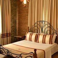 Hotelbilleder: Hotel Restaurant Emblema, Petrelë