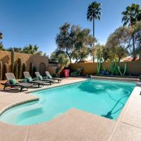 Fotos de l'hotel: BACKYARD OASIS HOT TUB + FIRE PIT + POOL SLEEPS 16, Scottsdale