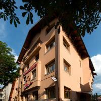 Hotel Pictures: Pensiunea Ambient, Braşov