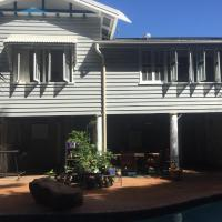 Hotel Pictures: Keppel Bay Beach House, Yeppoon