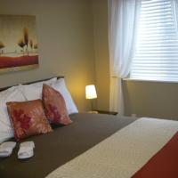 Hotel Pictures: Pacific Heights B&B, Gibsons