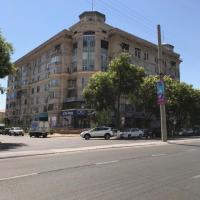 Hotelbilleder: Апартаменты из 5 комнат в центре города с охраной, Tashkent