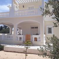 Hotelbilder: Chambre pour artistes avec grande terrasse, Houmt Souk