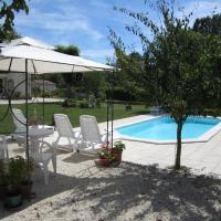 Hotel Pictures: Maison d'Hôtes Le Cadran Solaire, Saint-Jean-d'Angély