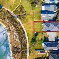 Hotel Pictures: Taren Point beach house, Taren Point