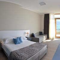 Superior Double or Twin Room with Frontal Lake View