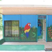 Hotel Pictures: Cabinas La Quebradita, Tigre