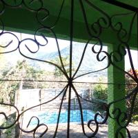 Hotel Pictures: Green house, Santo Aleixo