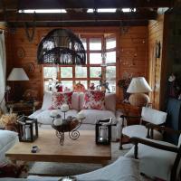 Fotos do Hotel: Casa estilo georgia en bosque Cahuil Pichilemu, Cáhuil