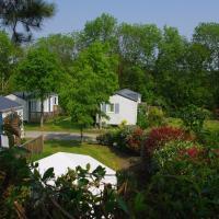 Hotel Pictures: Camping Le Domaine Des Jonquilles, Saint-Alban