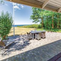 Hotel Pictures: Three-Bedroom Holiday Home in Korsor, Korsør