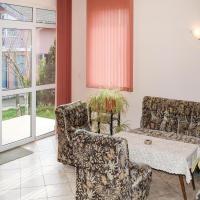 Hotelbilleder: Four-Bedroom Holiday Home in Dolen Bliznak, Stefan Karadzha