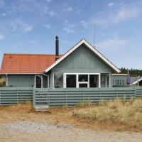 Zdjęcia hotelu: Three-Bedroom Holiday home Hvide Sande with a Fireplace 05, Bjerregård