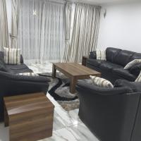 Hotellbilder: Comfortable Ensuite 2 Bedroom Home, Accra