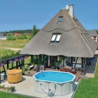 Hotellbilder: Four-Bedroom Holiday home Ustka-Przewloka with a Fireplace 05, Ustka