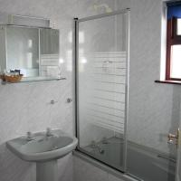 Twin Room with Bath and Shower