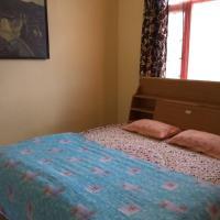 ホテル写真: 1 BR Homestay in Sanjauli, Shimla (023A), by GuestHouser, シムラー