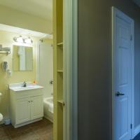Zdjęcia hotelu: Economy Suites by HomePort, St. John's