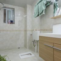 Zdjęcia hotelu: Xichang·Beside The Qiong Hai Wetland Park Locals Apartment 00150940, Xichang