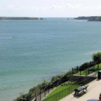 Hotel Pictures: St Agathas Apartment 2, Tenby