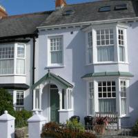 Hotel Pictures: Queens Parade 2, Tenby