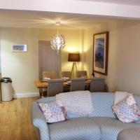 Hotel Pictures: Clareston Road 1, Tenby