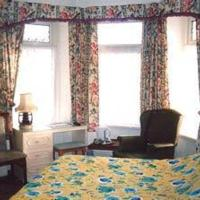Hotel Pictures: Southmead Guesthouse, Llanelli